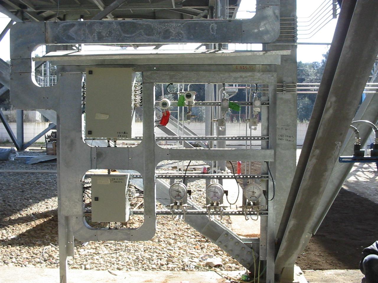 Installazione di rack porta strumenti